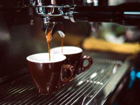 La distribución de las máquinas de café para hoteles